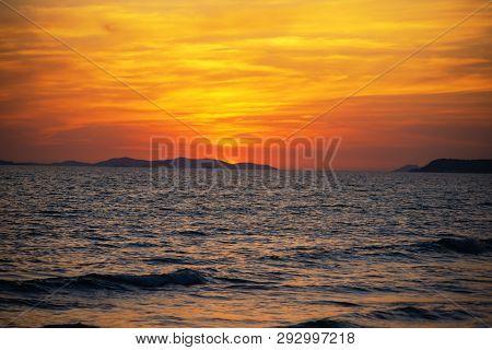 Early Morning Beautiful Seascape ,sunrise Over Sea.