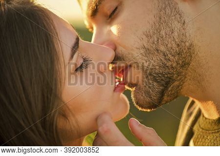 Love You Tender. Sensual Kiss Of Two Lovers. People In Relationship Relax Together. Enjoying The Com