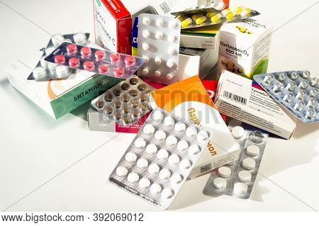 Moscow, Russia - October 29, 2020: Heap Of Assorted Medicine Tablets And Pills. Healthcare Or Medica