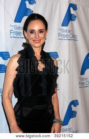 LOS ANGELES - NOV 19:  Madeleine Stowe arrives to the The Saban Free Clinic's Gala at Beverly Hilton on November 19, 2012 in Beverly Hills, CA
