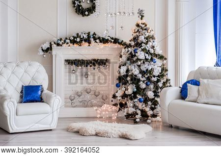 New Year Decorated Interior - Bright Room With Christmas Decoration - Fir-tree, Garlands Deer, Firep