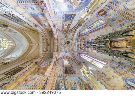 Vasilishki, Belarus - June 2019: Interior Dome And Looking Up Into A Old Gothic Or Baroque Catholic