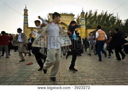 Men Celebrate End Of Ramadan By Dancing