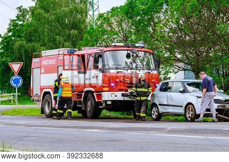 Skutech, Czech Republic, 26 June 2020: Car Accident, The Car Drove Off The Road. Rescuers And Police
