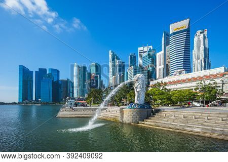 February 6, 2020: Merlion And Sands At Merlion Park In Marina Bay Of Singapore.  Merlion Is The Nati