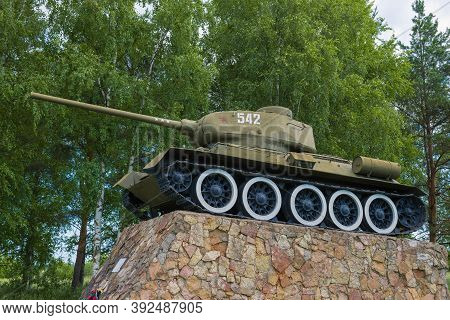 Staraya Russa, Russia - July 04, 2020: Soviet Tank T-34-85 Close-up. Monument In Honor Of The Libera