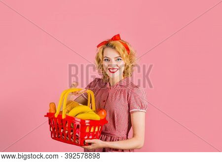 Woman On Shopping. Supermarket. Shopping. Sale. Discount. Black Friday. Buying. Pin Up Woman On Shop