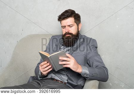 Reading Authority Business Book. Business Experience. Decision Making Part Management. Man Bearded B