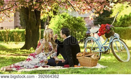 Spring Weekend. Romantic Picnic With Wine. First Date Ideas Guaranteed To Win Her Heart. Couple In L