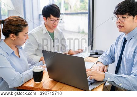 Young Asian Couple Feeling Happy And Pleasant After Received Advice Discussion About Financial Plann
