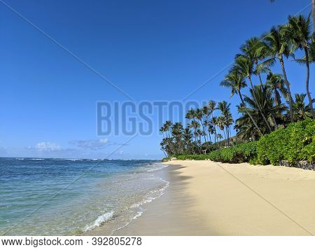 Beach At Diamond Head Beach Park On Oahu, Hawaii.