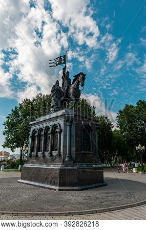 Vladimir, Russia, July 28, 2020. Monument To Prince Vladimir And The Saint Fyodor - Baptist Of Land