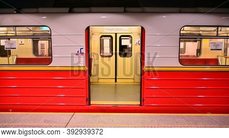 Warsaw, Poland. 3 November 2020. Inside View Of Warsaw Metro. Train Stopped Opening The Door