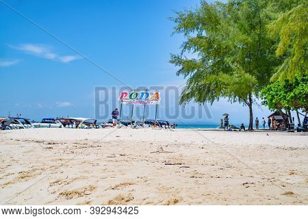 Krabi/thailand-23 Jun 2017:beautiful Idyllic Seascape And White Sand On Koh Poda Island Krabi City T