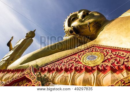 Big Reclining Buddha And Standing Buddha  In Wat Mokkanlan , Chomthong Chiangmai Thailand