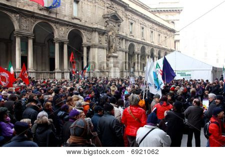 Italian rally in defence of the Italian Constitution, Milan