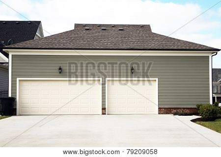 3 or 4 car garage