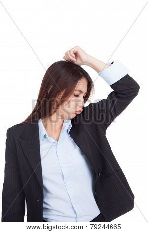 Young Asian Businesswoman Smell Her Armpit