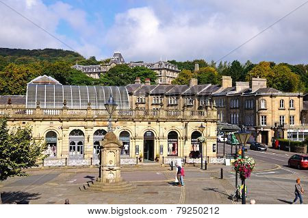 Thermal baths and Buxton town centre.