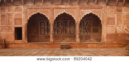 Beautiful, Ornate Stone Entryway To The Taj Mahal In Agra, India