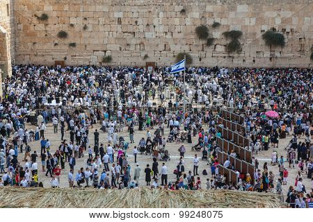 JERUSALEM, ISRAEL - OCTOBER 12, 2014: Morning autumn Sukkot. The area in front of the Western Wall of the Temple filled with people
