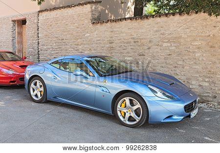Sports Car Ferrari California
