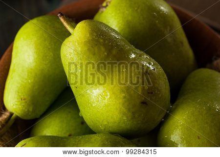 Green Organic Bartlett Pears