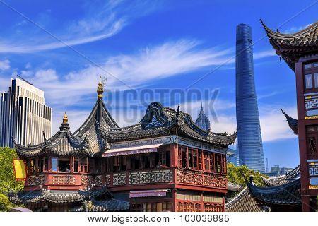 Shanghai China Old And New Shanghai Tower And Yuyuan Garden