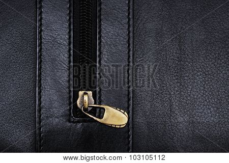 Zipper on black folder