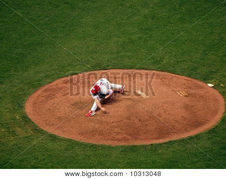 Roy Oswalt Finishes Throwing Pitch From Mound