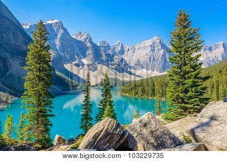 Majestic mountain lake in Canada. Moraine Lake in Alberta, Canada.