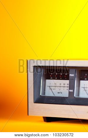 Analog Peak RMS Audio Power VU Meter with needle and LED side view