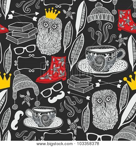 Seamless pattern with cute owl in crown.