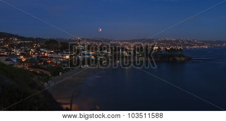 Blood moon / full moon