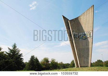 Monument In Plovanija