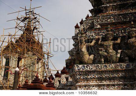Renovating Wat Arun