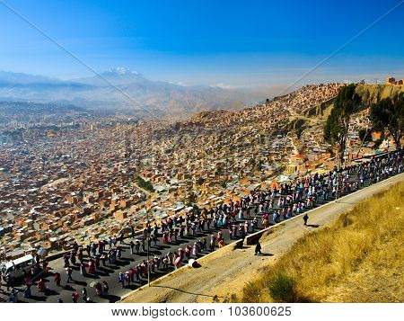 Protesting people in La Paz
