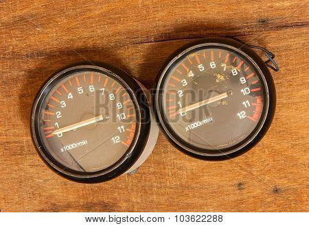 Miles Tachometer