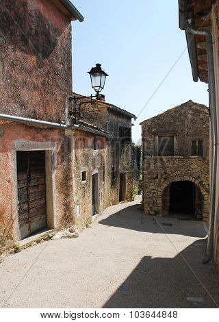 Street In Pican