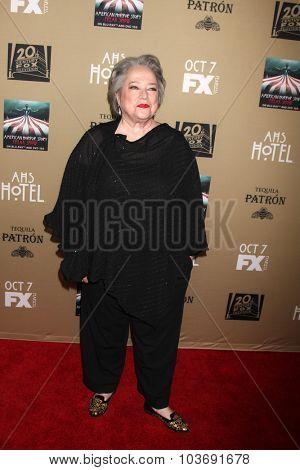 LOS ANGELES - OCT 3:  Kathy Bates at the