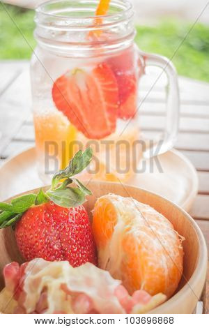 Infused Water Mug Of Mix Fruit Refreshing Drink