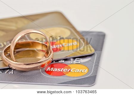 Wedding Rings And  Mastercard Gold