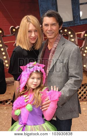 LOS ANGELES - OCT 4:  Lou Diamond Phillips at the