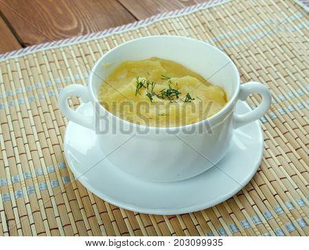 Crema de garbanzos.Hummus sin tahini soup close up traditional meal