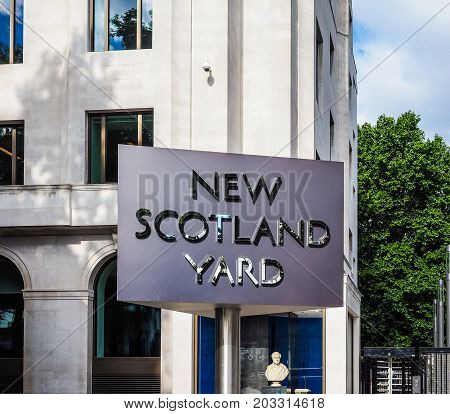 New Scotland Yard Police Sign In London (hdr)