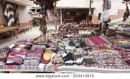 the peruvian clothes and bags on the market