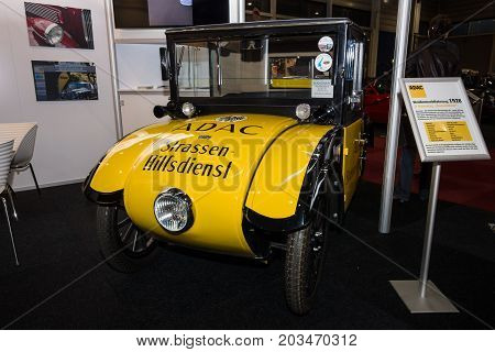 MAASTRICHT NETHERLANDS - JANUARY 09 2015: A compact car Hanomag 2/10 PS (Kommissbrot) 1927. International Exhibition InterClassics & Topmobiel 2015