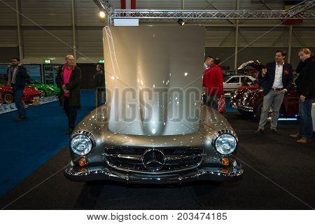 MAASTRICHT NETHERLANDS - JANUARY 09 2015: Roadster Mercedes-Benz 190SL. International Exhibition InterClassics & Topmobiel 2015
