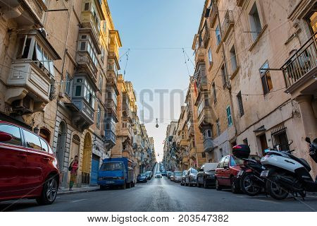 Parking In Valletta Narrow Streets