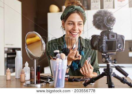 Beauty, Fashion, Technology, Media And Networking. Pretty Girl Vlogger Sitting At Dressing Table Sur
